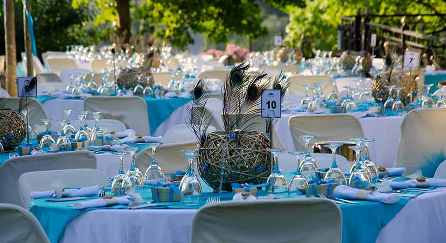 Blue And White Wedding Table Settings & ... Blue And White Wedding ...